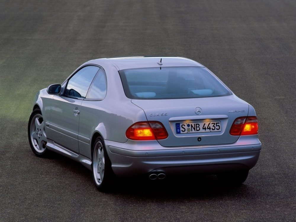 Mercedes-Benz-CLK-W208