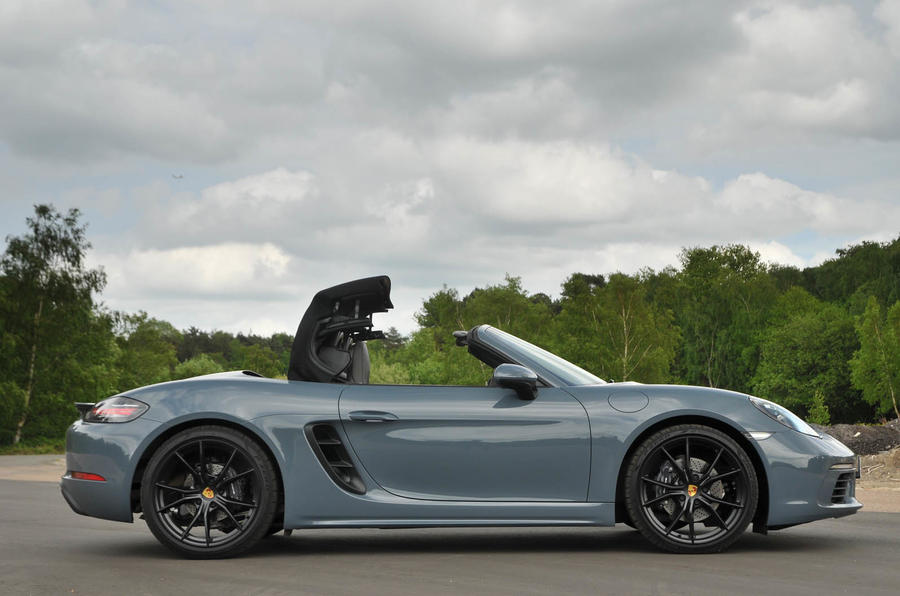 porsche-718-boxster-road-test-2016-627